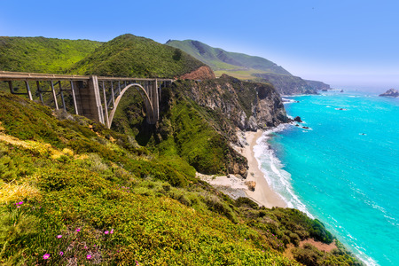 California Bixby bridge in Big Sur in Monterey County along State Route 1 US 版權商用圖片