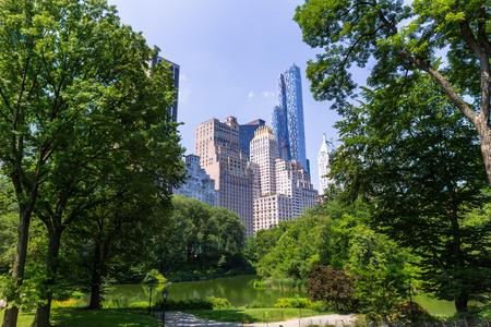 central park: Central Park The Pond Manhattan New York US