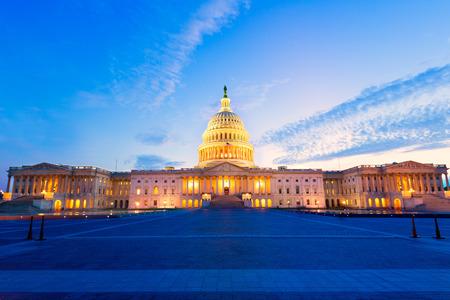 Edificio del Capitolio de Washington DC puesta de sol en Congreso estadounidense EE.UU.