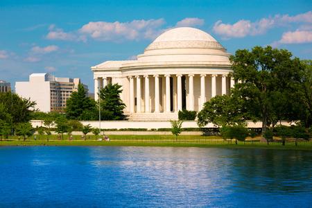 the memorial: Thomas Jefferson memorial in Washington DC USA