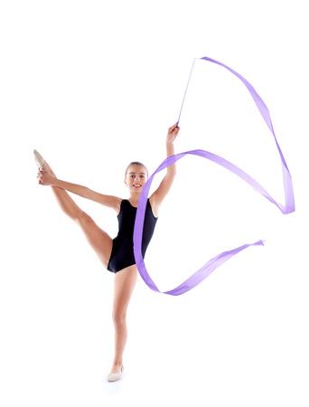 gimnasia ritmica: Cinta chica Kid gimnasia r�tmica ejercen sobre blanco