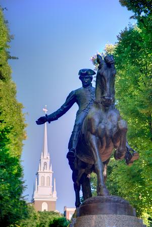 ボストン Paul Revere モール像と古い北教会マサチューセッツ 写真素材