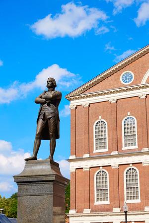 adams: Boston Samuel Adams monument near Faneuil Hall in Massachusetts USA