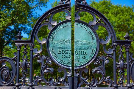 boston common: Boston Common Arlington St gate in Massachusetts USA