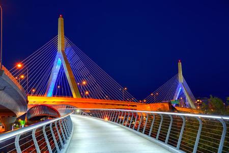 Boston Zakim bridge sunset in Bunker Hill Massachusetts USA 版權商用圖片
