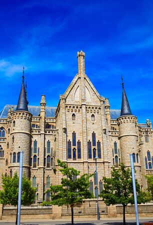 episcopal: Astorga Leon Palacio Episcopal of Antoni Gaudi architect by Way of Saint James