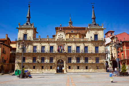 camino de santiago: Leon city hall ayuntamiento in Plaza Mayor square by Saint James Way