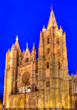 castilla: Cathedral of Leon sunset facade in Castilla at Spain Stock Photo