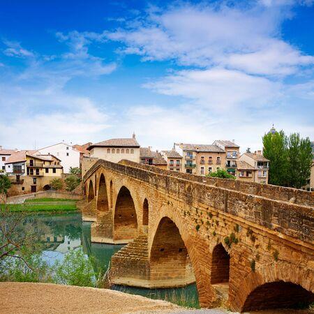 camino de santiago: Puente de la Reina in Saint James Way bridge over Arga River in Pamplona