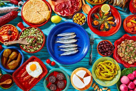 タパス スペイン地中海料理の最も人気のあるレシピのミックスから