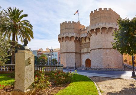 puertas antiguas: Torre de Valencia Torres de Serranos Porta de Serrans en España