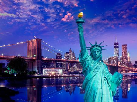 Estatua de la libertad y el puente de Brooklyn Nueva York Símbolos del americano de EE.UU. photomount
