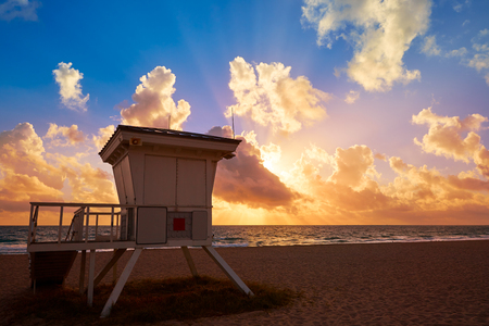 fort lauderdale: Fort Lauderdale beach morning sunrise in Florida USA baywatch tower