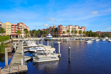 jachthaven Naples Bay in Florida USA uit Tamiami Trail