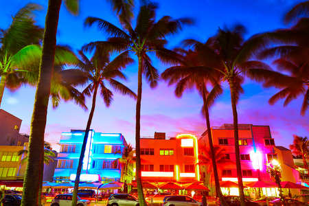 Miami South Beach zonsondergang in Ocean Drive Florida Art Deco Stockfoto