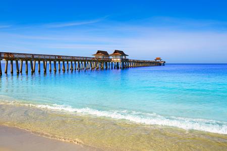 Neapol molo i plaża w słoneczny dzień na Florydzie USA