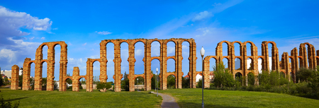 acueducto: Acueducto Los Milagros in Merida Badajoz aqueduct at Extremadura of Spain Stock Photo