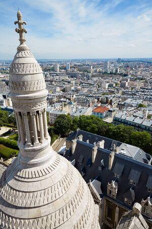 sacre coeur: Paris skyline and Sacre Coeur Basilique in Montmartre at France