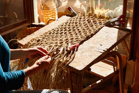 enea: Esparto halfah grass crafts craftsman hands working