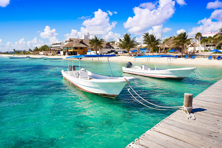 Puerto Morelos beach boats in Mayan Riviera Maya of Mexico 스톡 콘텐츠