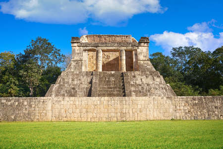 Temple nord de Chichen Itza au Mexique Yucatan