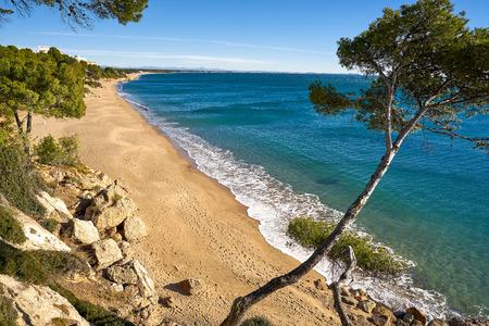 Playa Cala Les Vienesos playa en Miami-Platja de Tarragona en la Costa Dorada de Cataluña Foto de archivo