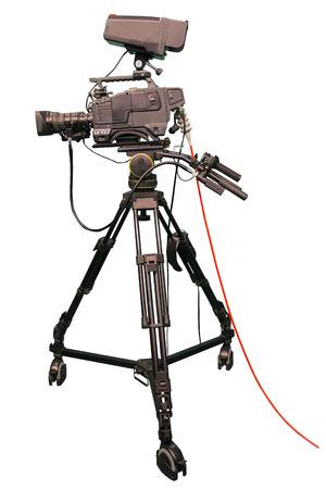 Cámara profesional de TV studio de video digital aislada sobre fondo blanco