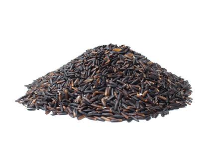 rijst bessen stapel op een witte achtergrond