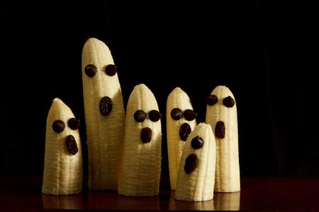 Healthy Halloween snack bananas