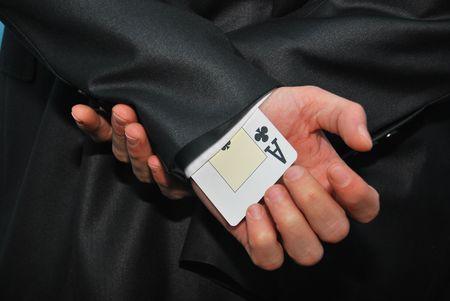 不正行為の目的のための袖に隠された 1 つのエースのカード 写真素材
