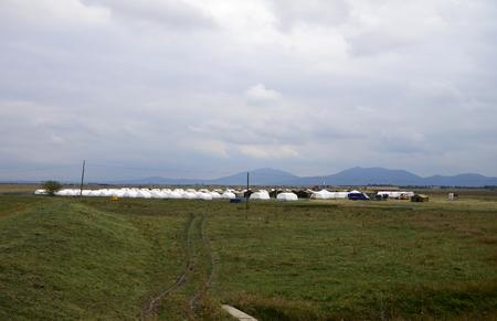 cruz roja: Moravita rumania cruz campo de refugiados sirio roja Foto de archivo