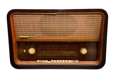 la radio vieux millésime isolé sur fond blanc