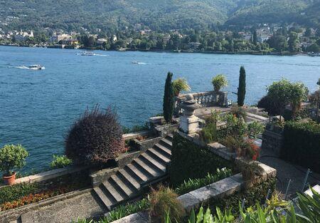 ベッラ島のイタリアのマッジョーレ湖の風景 写真素材