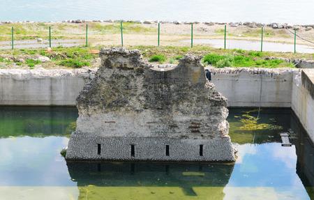 Drobeta turnu severin city romania roman bridge over danube river ruins Banco de Imagens