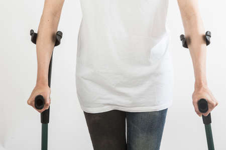 crutches: Woman claims on crutches