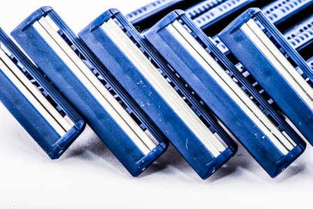 razor: razor blades blue plastic