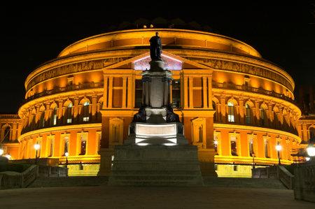 queens theatre: Royal Albert Hall at night