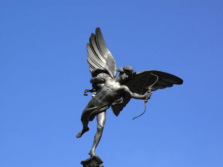 eros: La statua di alluminio di Eros il Dio mitologico greco Of Love, si trova nella parte superiore della The Shaftesbury Memorial Fontana a Piccadilly Circus Londra