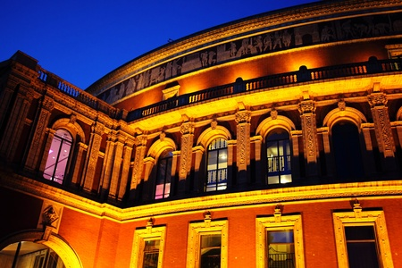music venue: Night shot of the Royal Albert Hall, built 1867-71 to commemorate the death of Queen Victorias beloved consort Prince Albert. It is the leading classical music venue in The UK and is the home of the Proms Editorial