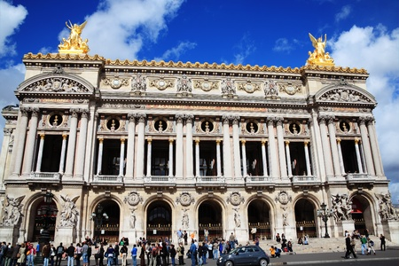 palais: Paris, France - Sep 18, 2011: People queuing for tickets at the Palais Garnier opera house at Rue Scribe,  Place de Lopera