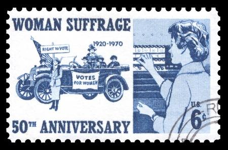 sello postal: Sello de EE.UU. a�ada 1970 s gastos de env�o para conmemorar los 50 a�os del movimiento por el sufragio a las mujeres s