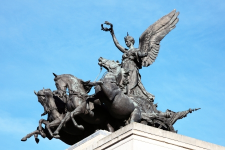 chariot: Quadriga placed upon Wellington Arch  Constitution Arch  1826-1830, replaced a figure of Wellington in 1912 and depicts the angel of peace descending on the chariot of war, London, England, UK