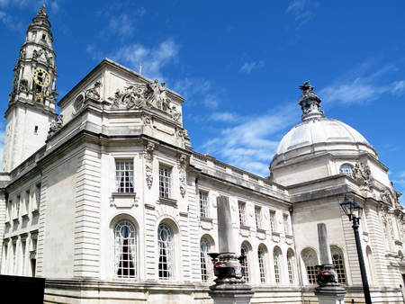 local government: Cardiff City Hall, Cathays Park, Wales, UK, built in1906 serves as Cardiff s local centre of government Stock Photo