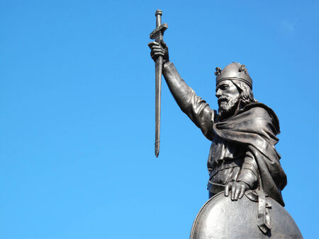 erected: King Alfred The Great s statue designed by Hamo Thornycroft and erected in 1899 stands at the eastern  end of the Broadway in Winchester, Hampshire, England with copy space