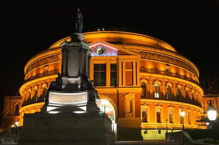 music hall: Night shot of the Royal Albert Hall, London, England, UK, built 1867-71 to commemorate the death of Queen Victorias beloved consort Prince Albert. It is the leading classical music venue in The UK and is the home of the Proms