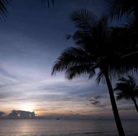A dramatic sunrise at Hua Hin beach in Thailand. Stock Photo - 8852923