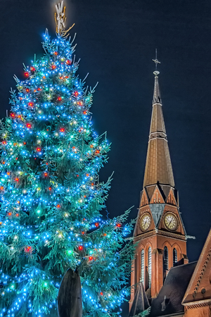 The Gustav Adolf church and christmas tree in the southside of Helsingborg city in Sweden. 版權商用圖片