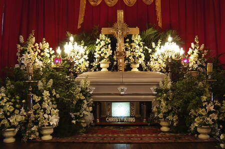 casket: Funeral service in the Philippines