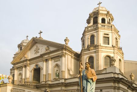 devoted: The famous Quiapo Church in Manila, Philippines Stock Photo