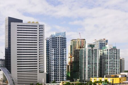 A row of buildings in an urban area in Metro Manila, Philippines Stock Photo - 6065202